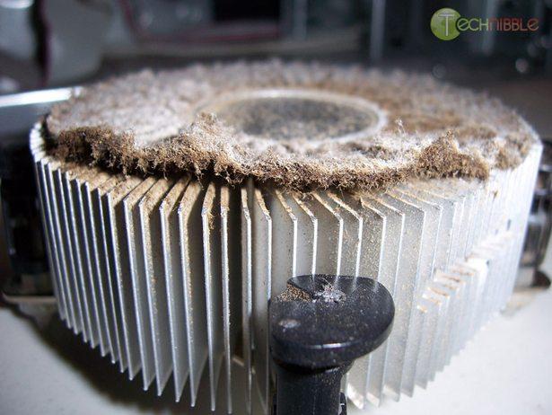 Computer heatsink blocked by cigarette tar and dust