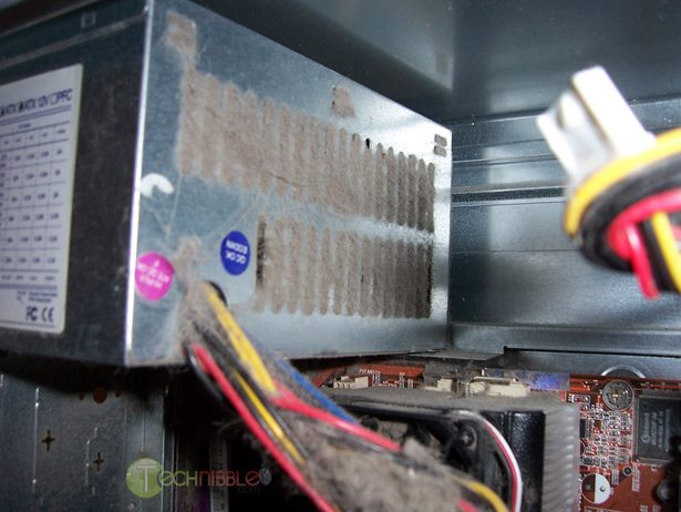 Power supply totally clogged up with dust